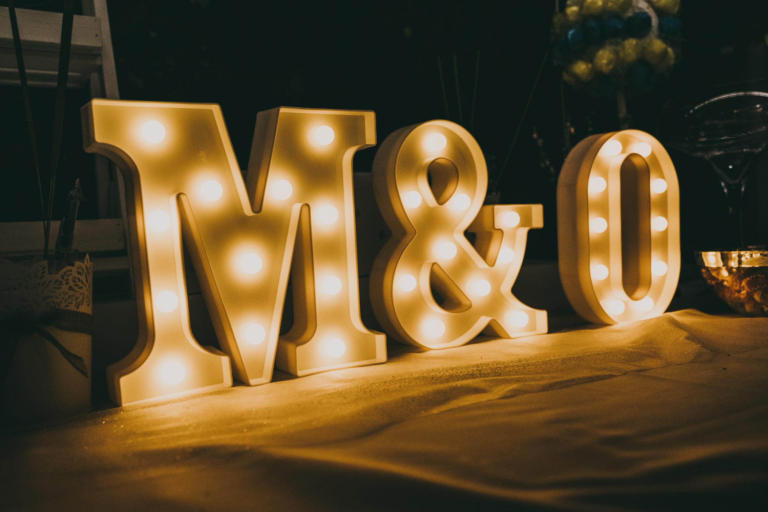 Detalle de boda, Miguel y Óliver. Foto by: Love Wanderers